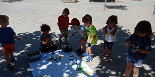 Els infants del casalet, durant una de les activitats