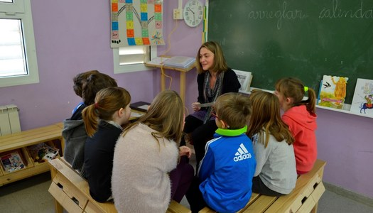L'Ajuntament de Sant Ramon insereix laboralment a una persona del municipi per fer tasques a l'escola.