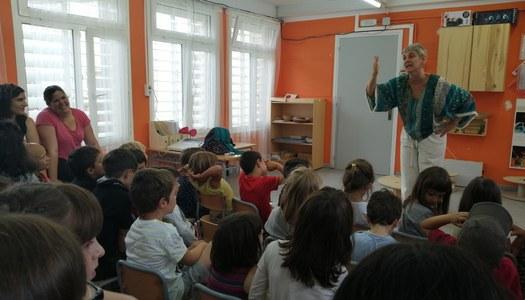 L'escola de Sant Ramon va projectar una segona sessió de conta contes per a la igualtat
